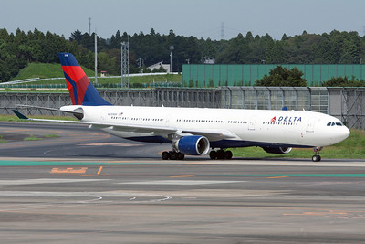 Delta Airlines Airbus A33-300 N810NW