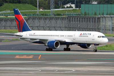 Delta Airlines Boeing 757-200 N550NW