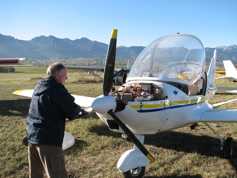 La Cerdanya preparando el avion, quitar el hielo, y una hora,15 minutos de despegues la mayoria rumbo a Ordis  (4)