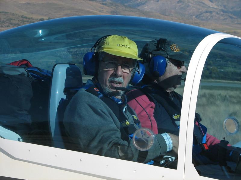 La Cerdanya preparando el avion, quitar el hielo, y una hora,15 minutos de despegues la mayoria rumbo a Ordis   (2)