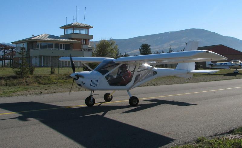 La Cerdanya preparando el avion, quitar el hielo, y una hora,15 minutos de despegues la mayoria rumbo a Ordis  (15)
