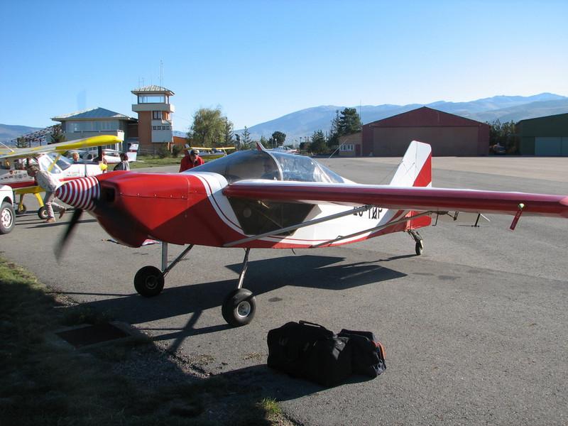 La Cerdanya preparando el avion, quitar el hielo, y una hora,15 minutos de despegues la mayoria rumbo a Ordis  (7)