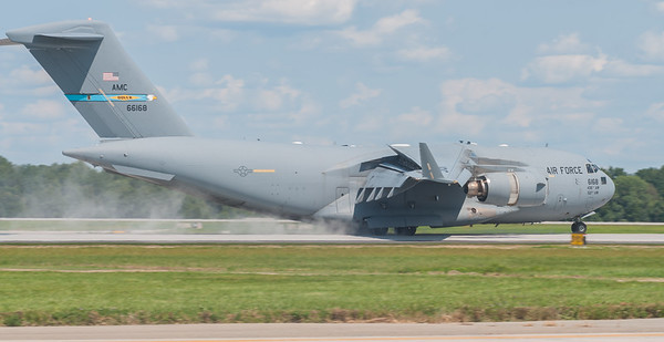 C-17 Globemaster III - reverse thrusters