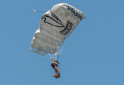 US Army Black Daggers - Parachute team