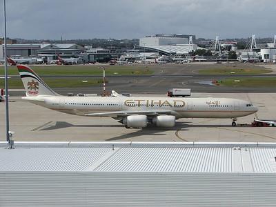A6-EHB ETIHAD A340-500