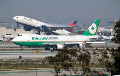 B-16483 EVE AIR CARGO B747-400
