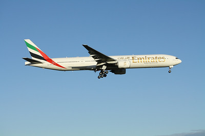 Emirates Boeing 777-300 A6-EMN