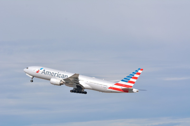 N753AN American Airlines Boeing 777-223  Los Angeles