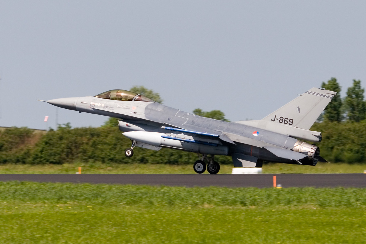 F-16. J-869. Royal Netherlands Air Force.