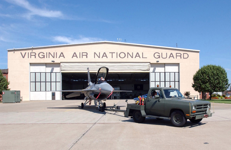 F-16C_Virginia_ANG_at_RIC_IA_2003