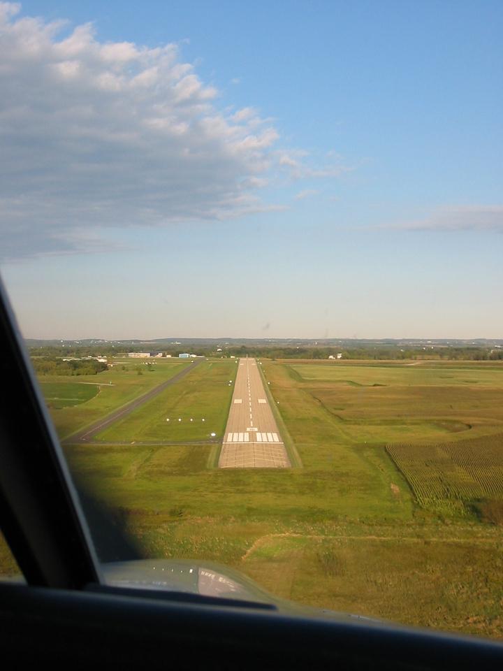 On final, runway 08 at Dodge County Airport (KUNU) in Juneau, Wisconsin