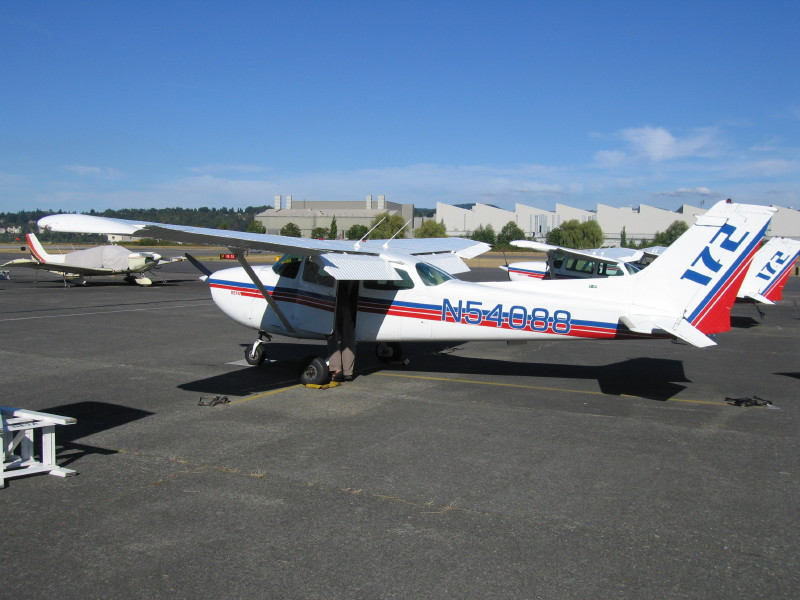 This is the plane we flew - a Cessne 172.