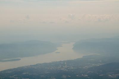 View south along the Hudson River, Hudson Highlands. - Copyright (c) 2012 Daniel Noe