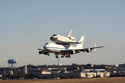 Fort Worth Space Shuttle landing