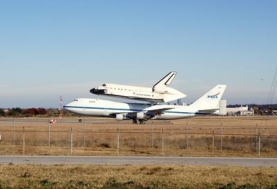 Fort Worth Space Shuttle landing