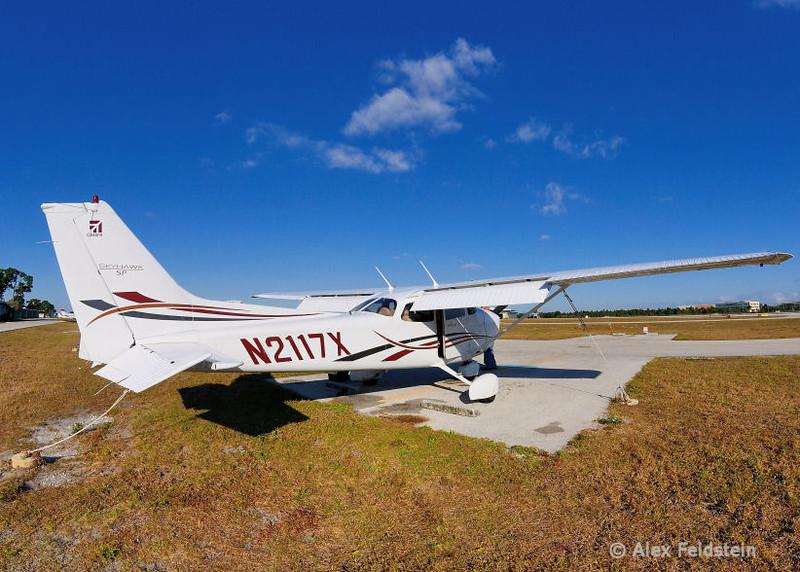 Cessna 172 at Ft. Lauderdale Executive (KFXE)<br /> Fisheye shot