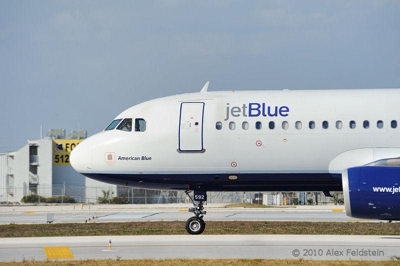 jetBlue ready for takeoff