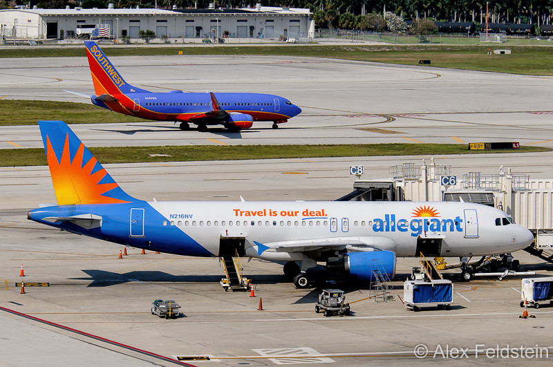 Allegiant Airbus A320-214 and Southwest Boeing 737