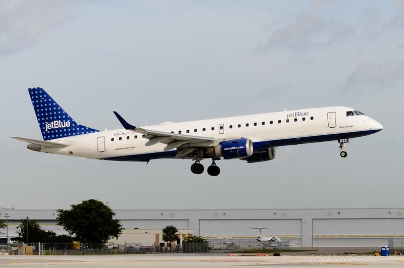"""Embraer ERJ-190 """"Blue Amigo"""""""