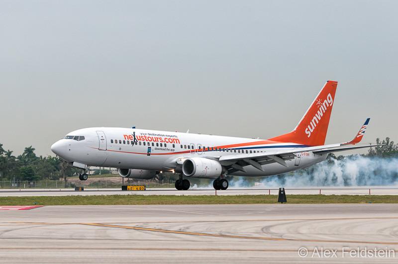 2004 Boeing 737-8Q8