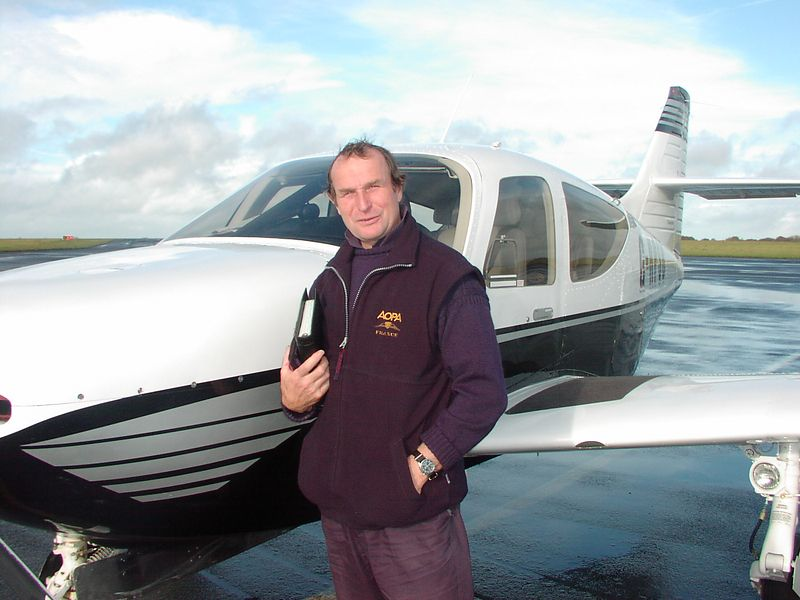 Mike Perry - Over 3000 hrs in Commanders and Multi thousands in Helos as an Army instructor.  Check out the Commander High Performance School in Guernsey