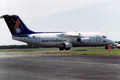 VH-JJZ ANSETT AIR FREIGHT BAe-146