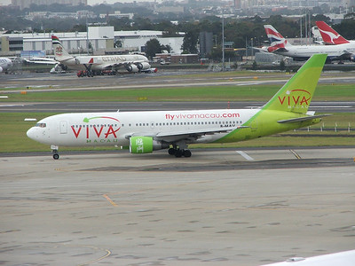 B-MAV VIVA MACAU B767-200
