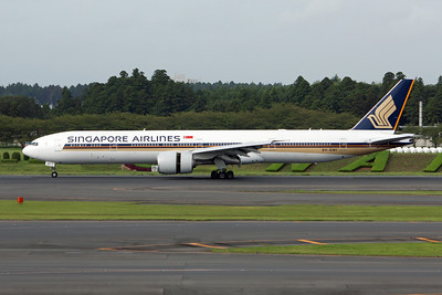 Singapore Airlines Boeing 777-300 9V-SWI