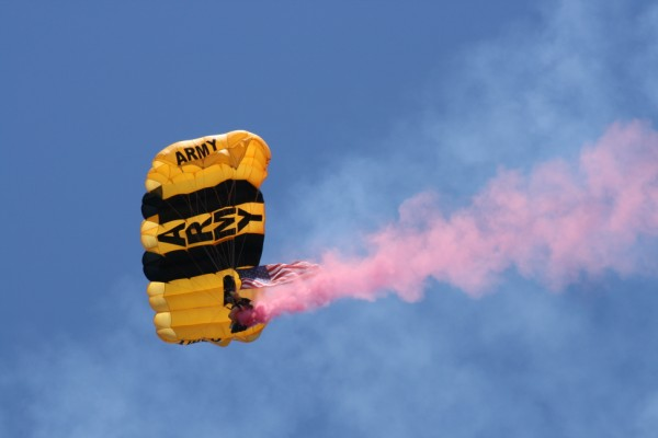 US Army Parachute Golden Kinghts