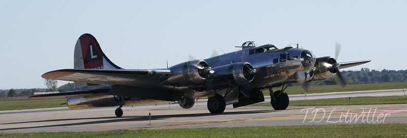 Gathering of Mustangs and Legends  B-17G  Yankee Lady