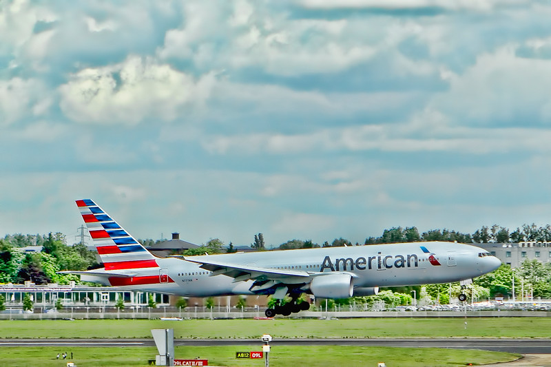 American Airlines Arrives in London