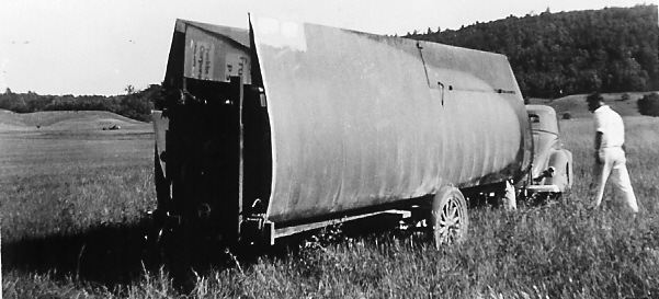 1936 - Art Schult's Franklin Secondary Sailplane on the trailer.