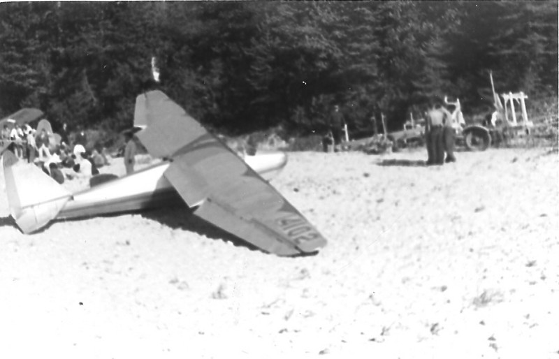 1940 - Franklin-Stevens sailplane on the beach at Sleeping Bears Sand Dunes.