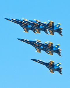 Delta formation - beginning the Loop Break Cross maneuver