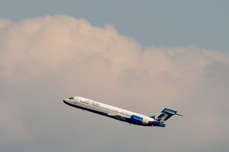 I love how the backdrop came up as this Air Tran Boeing 717 climbs to it's cruising altitude.