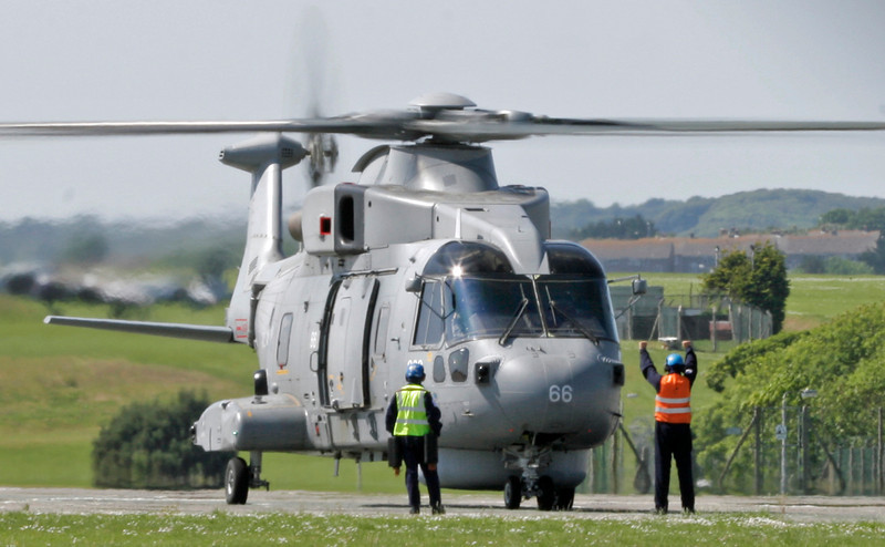 ZH856 AgustaWestland EH101 Merlin HM1 (RNAS Culdrose) Royal Navy 2