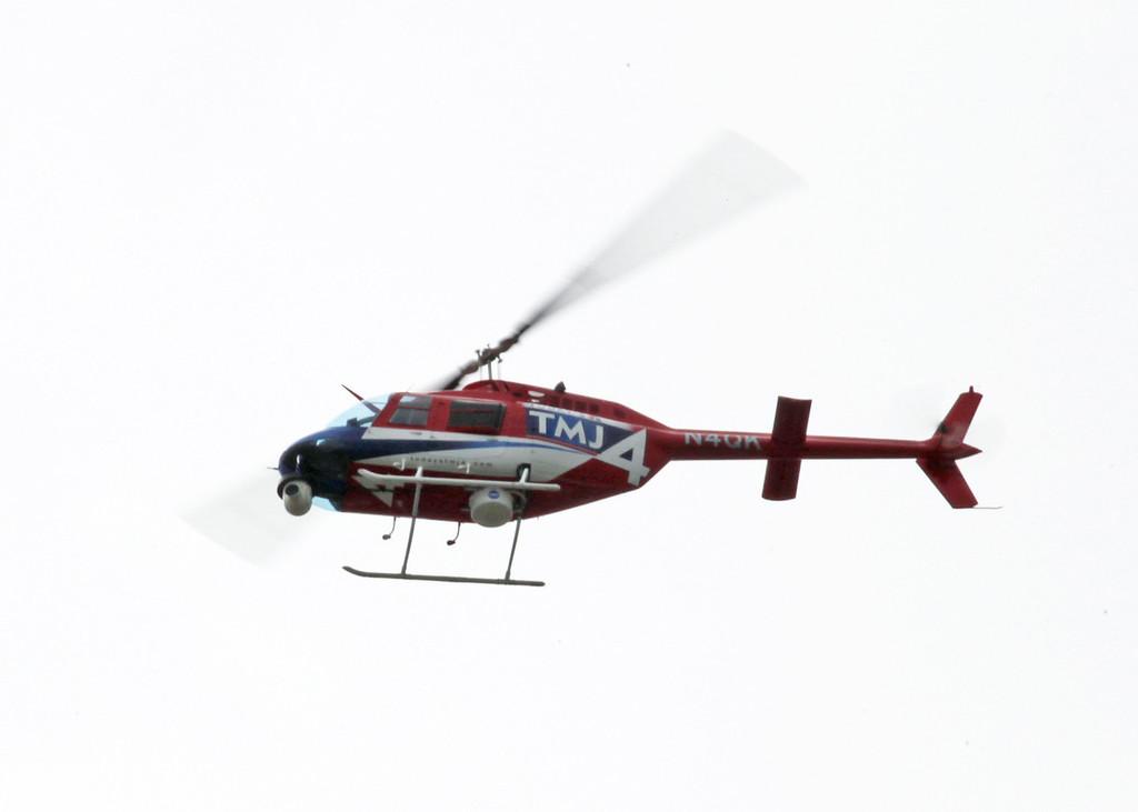 N4QK Bell 206B (inflight over Milwaukee) AIR SANSONE LLC