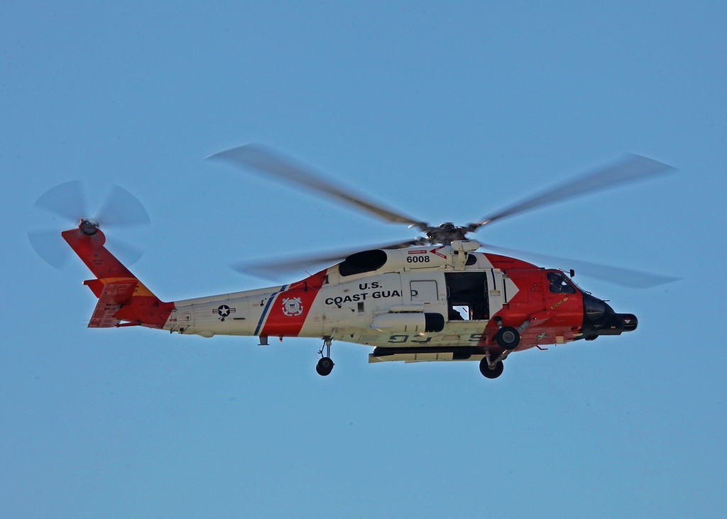 6008 Sikorsky MH-60J Jayhawk (In-Flight over Holmes Beach FL) United States Coast Guard [Clearwater station] 2
