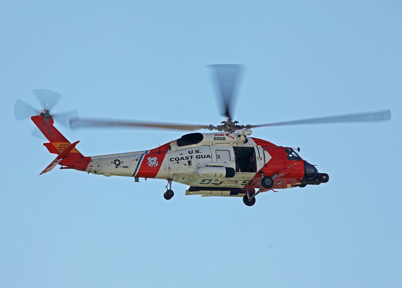 6008 Sikorsky MH-60J Jayhawk (In-Flight over Holmes Beach FL) United States Coast Guard (Clearwater)