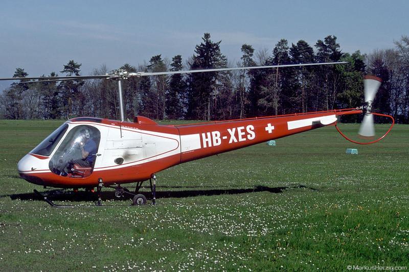 HB-XES Enstrom F-28C Flugschule Eichenberger @ Buttwil Switzerland 30Apr90