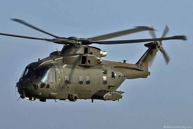 ZJ122 EH101 Royal Air Force @ Payerne Switzerland 6Sep04