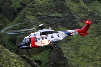 TF-LIF AS332L1 Landhelgisgaeslan @ Thakgil Iceland 31Jul10 22:00