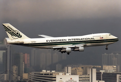 Evergreen Intl. Airlines Boeing 747-273C  	Hong Kong - Kai Tak Intl. (HKG / VHHH) (closed) China - Hong Kong, February 1998 Reg: N471EV  Cn: 20651/209 Low cloud base during IGS approach RWY 13.