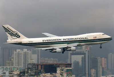 Evergreen International Airlines Boeing 747-273C  	Hong Kong - Kai Tak International (HKG / VHHH) (closed) China - Hong Kong, February 1998 Reg: N471EV  Cn: 20651/209 Low cloud base during IGS approach RWY 13.