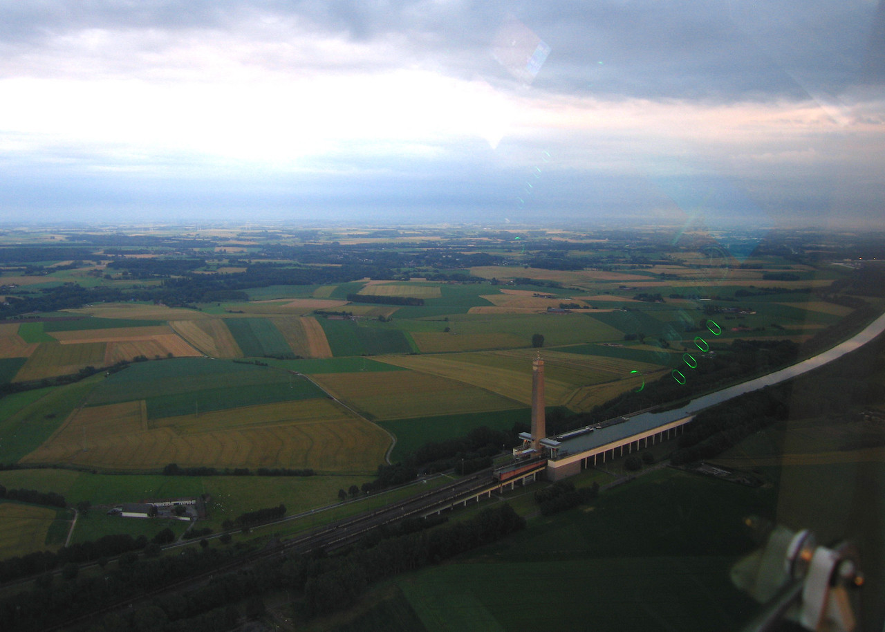 Evening flight to the inclined plane of Ronquières. July 16 2012.