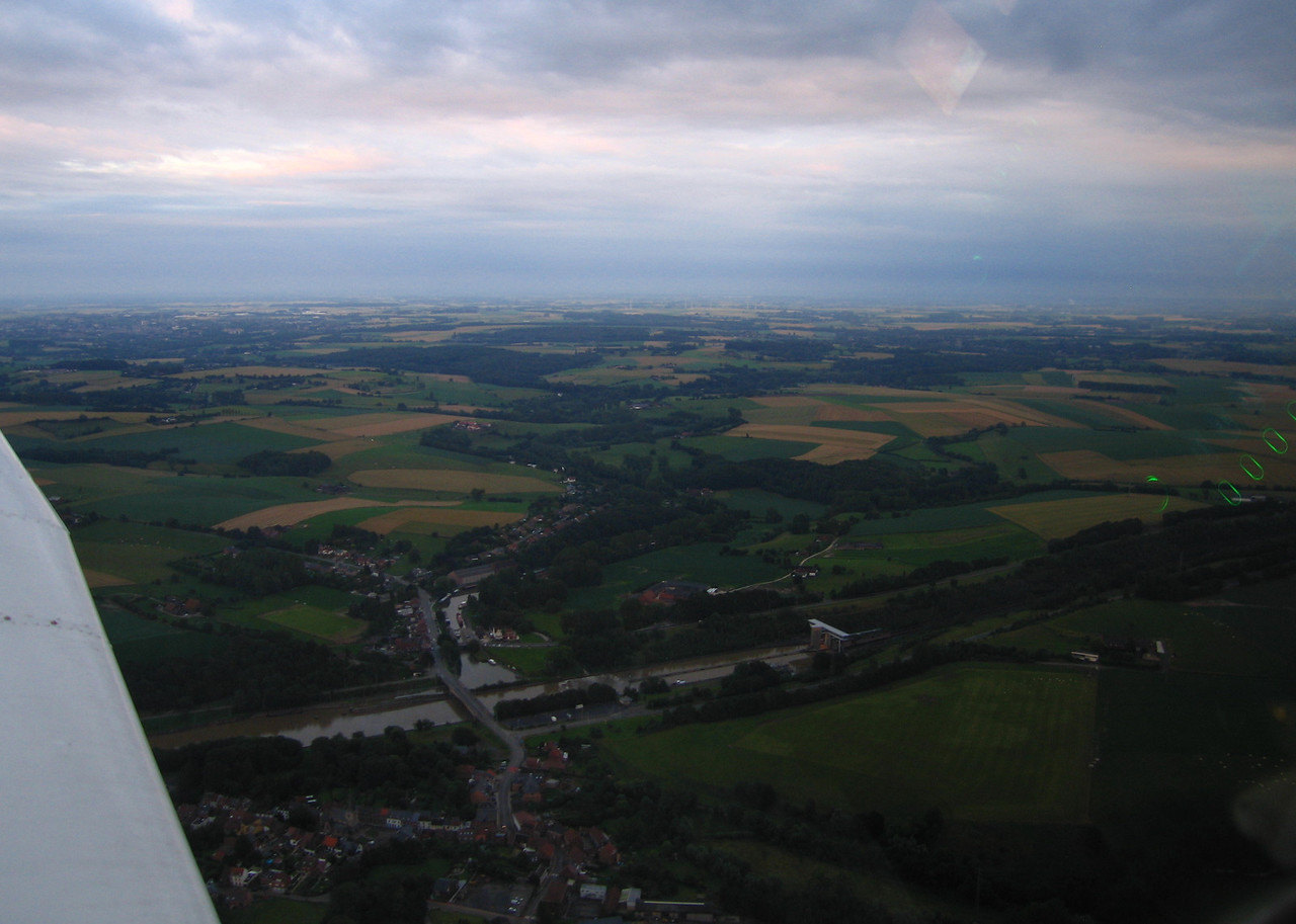 Some part of the Brussels-Charleroi canal.  Evening flight to the inclined plane of Ronquières. July 16 2012.