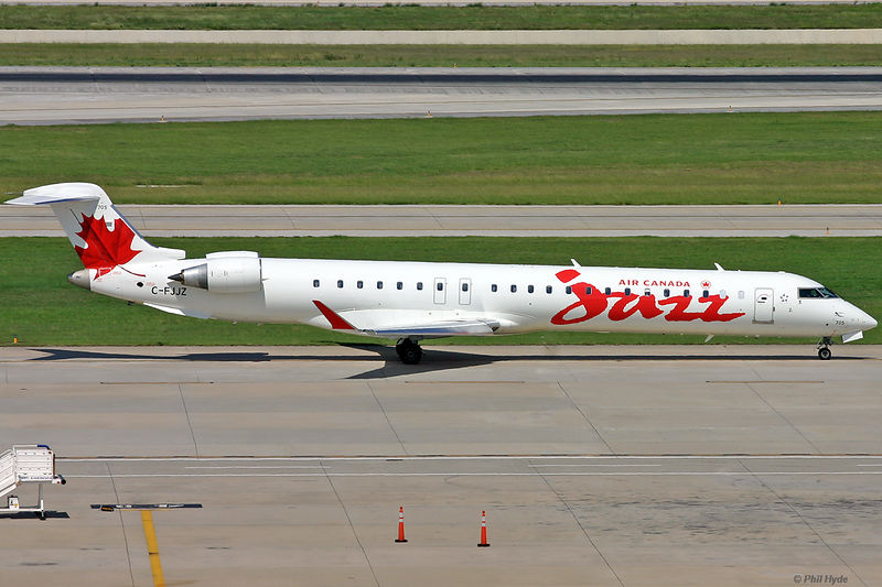 Air Canada Jazz CRJ-705, C-FJJZ
