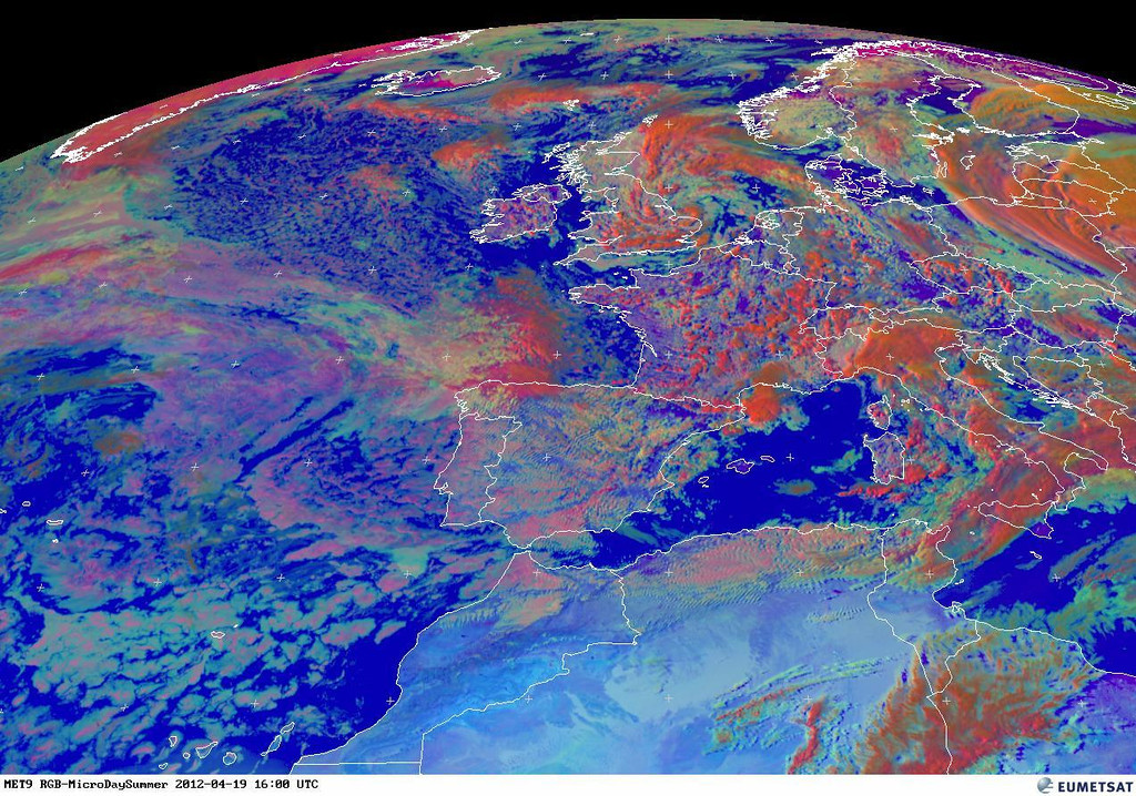 Notice the small cells associated with the lightning above. This RGB even shows it better. The red colors signify clouds with large ice particles.<br /> <br /> Copyright 2012 EUMETSAT<br /> <br /> The METAR of Paris Orly gives an idea.<br /> LFPO 191630Z 30009KT 270V330 9999 FEW043CB BKN046 11/03 Q0992 TEMPO 4000 -TSRA SCT016CB= <br /> <br /> The TAF of Lille Airport doesn't look promising as well.<br /> <br /> TAF LFQQ 191100Z 1912/2018 22015G25KT 9999 BKN025 TEMPO 1912/1918 4000 SHRA BKN018TCU PROB30 1913/1917 2000 TSRA BKN015CB BECMG 1917/1919 20013KT PROB40 2002/2009 BKN010 TEMPO 2011/2018 20015G25KT 3000 SHRA BKN015CB=