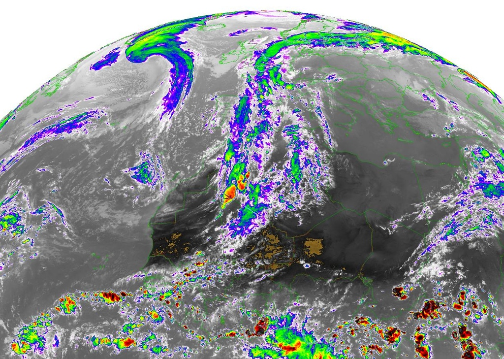 October 19th 2012.<br /> <br /> Beautiful satellite picture showing the path of this jetstream over Europe. Dust from the Sahara could be found in Belgium.<br /> <br /> Copyright 2012 EUMETSA