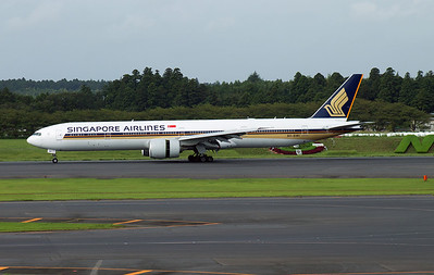 9V-SWI SINGAPORE AIRLINES B777-300